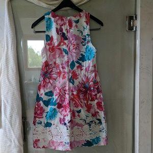 Eliza J  size 6 sleeveless summer dress